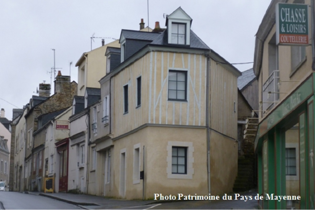 Colombages à Mayenne - rue Jules Ferry