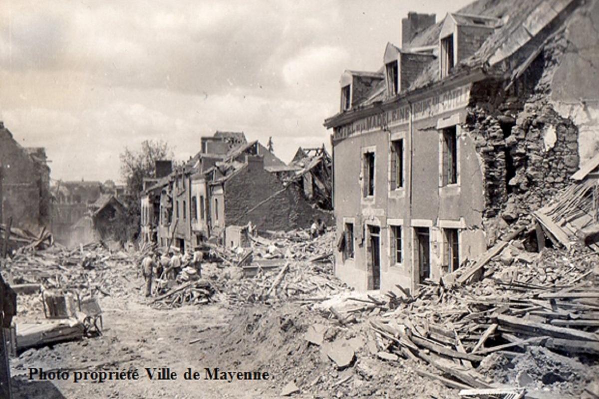 Albums photos nuit du 8 au 9 juin 1944 bombardement alli de mayenne patrimoine du pays de - Les toiles de mayenne ...
